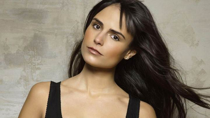 Jordana Brewster Glossy Lips N Sweet Pose Photoshoot